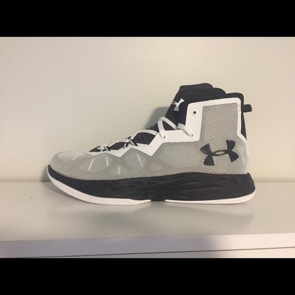 c4507d563efe Men s UA Lightning 4 Basketball Shoes. NWT. Under Armour